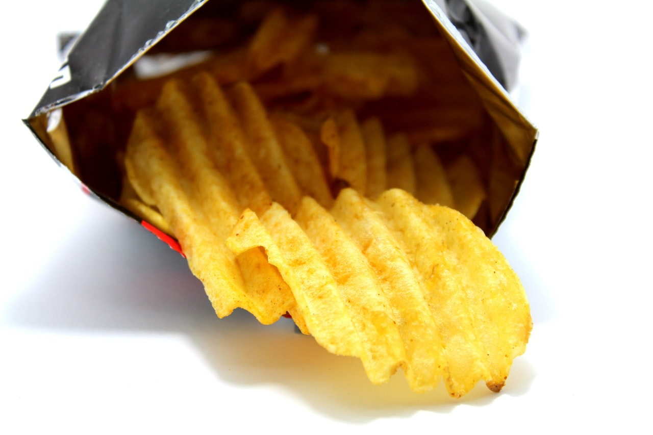 Chipsy - fakty i mity o przekąskach na imprezę   NZOZ Revita